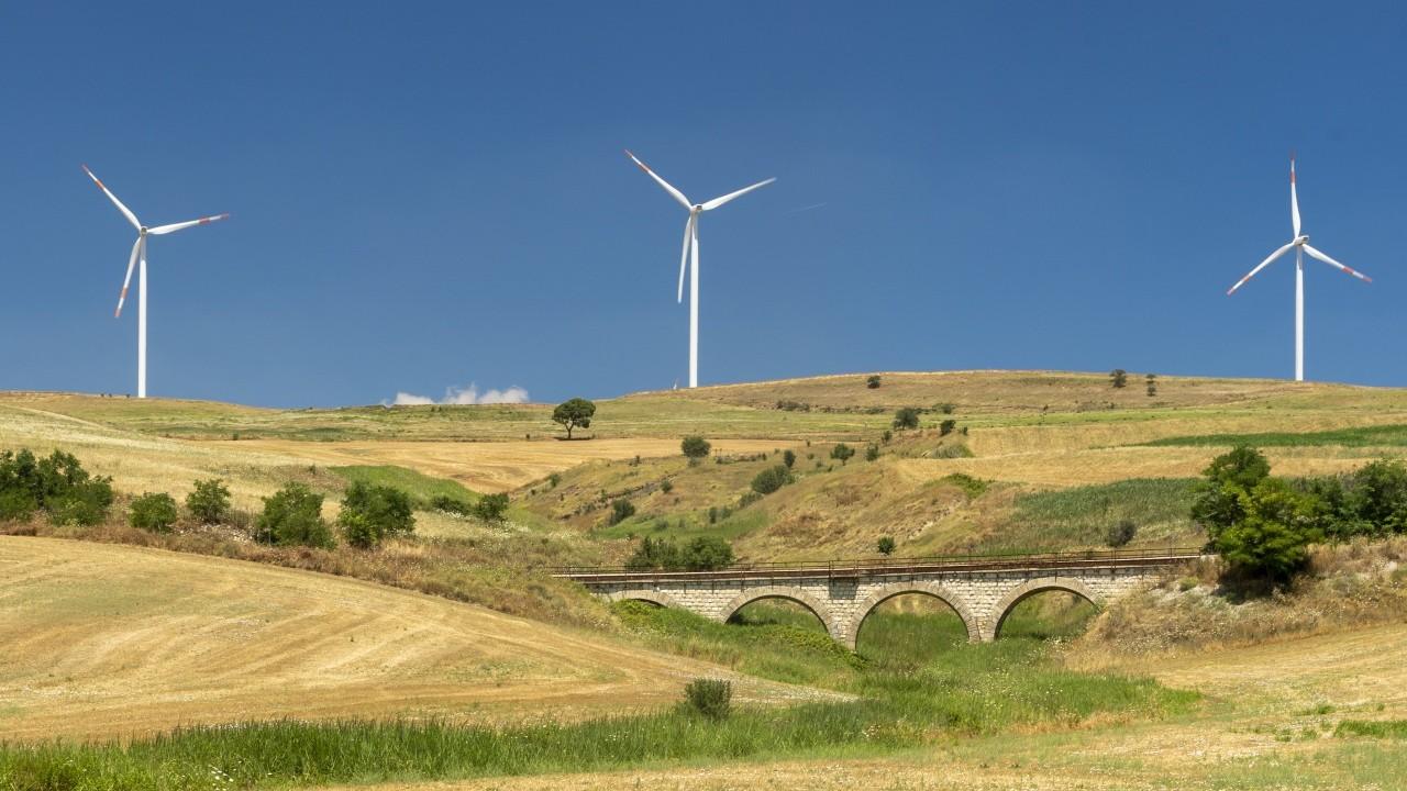 Eni: tre progetti eolici in Italia per un totale di 35 MW