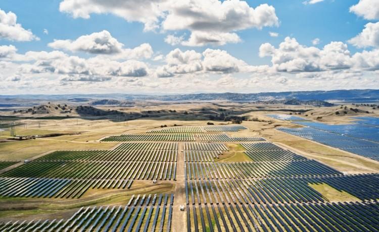 Apple: oltre 110 fornitori passano all'energia rinnovabile